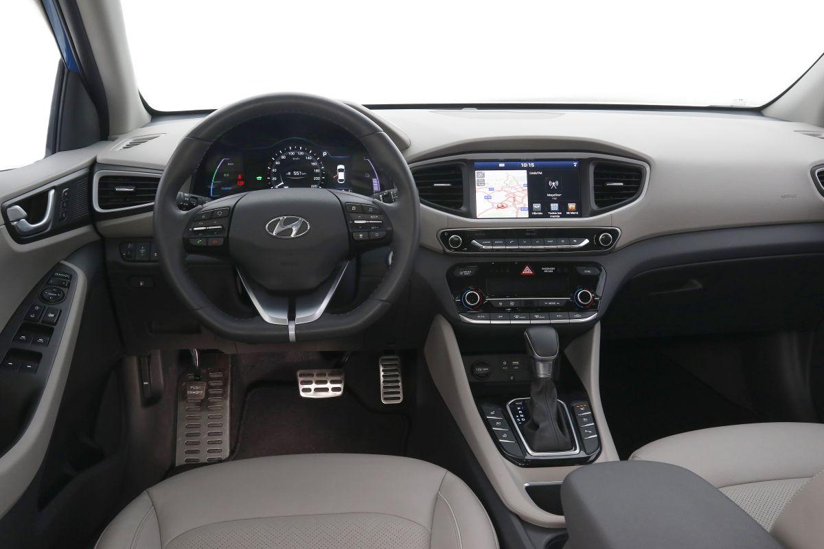 Hyundai IONIQ Hybrid (salpicadero)
