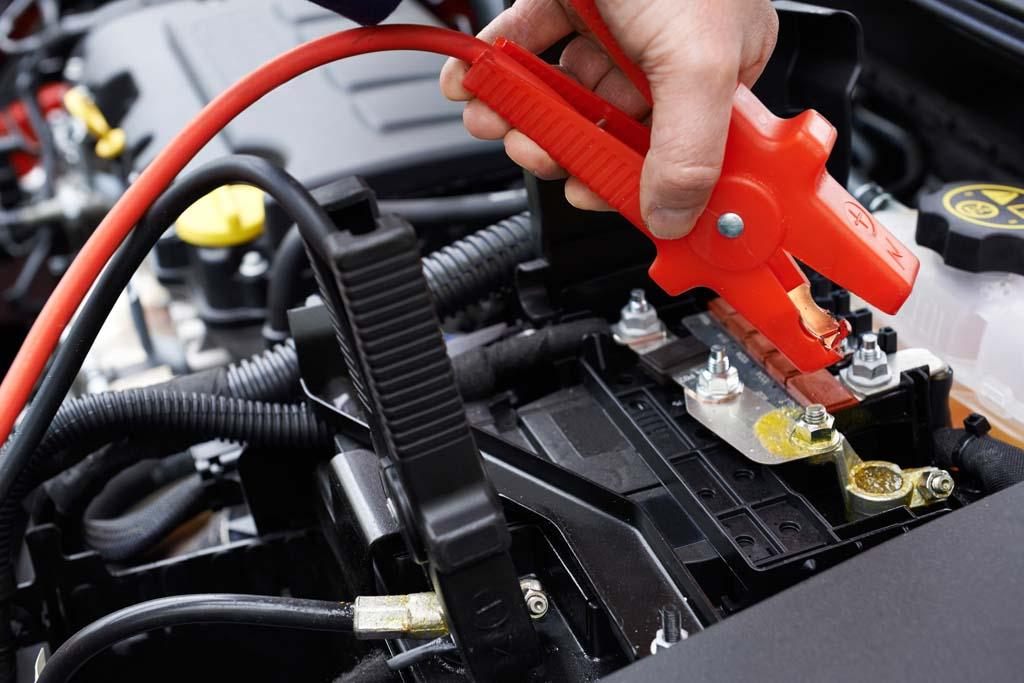 recargar bateria coches pinzas