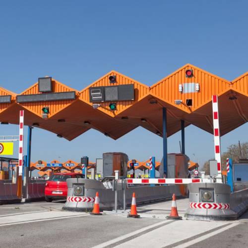 La UE toma medidas para impedir que los conductores se salten los peajes