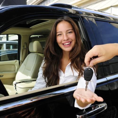 Todos los descuentos y las ofertas de las marcas de coches en abril