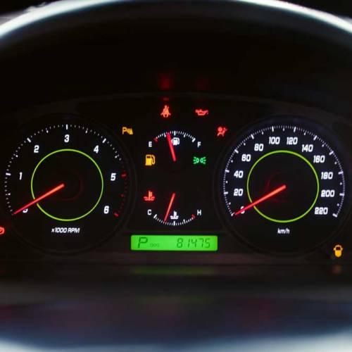 Testigos del coche: qué significa que se enciendan