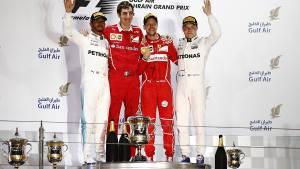 Vettel consigue la victoria en Bahréin y Alonso abandona de nuevo (fotos)