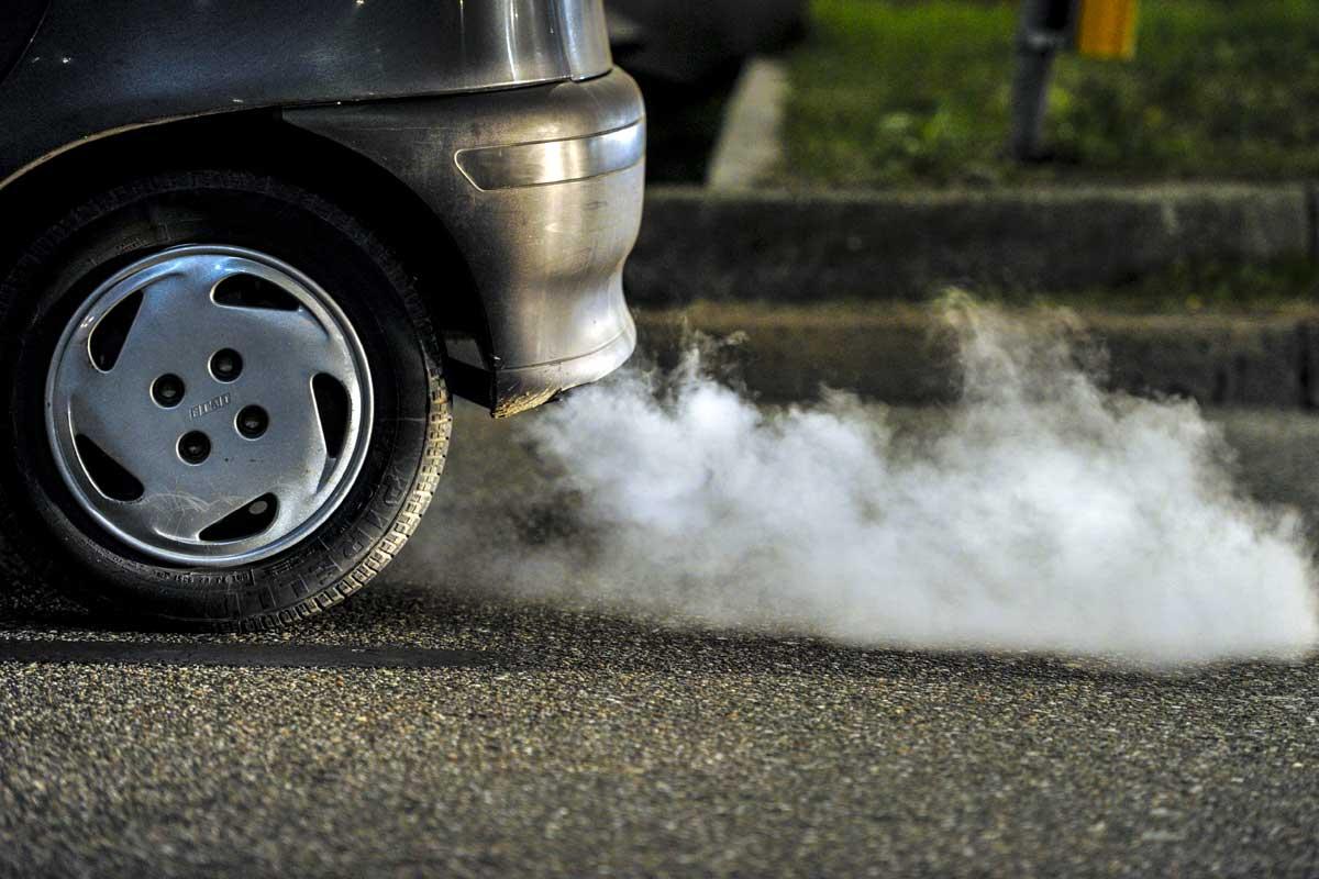 La Unión Europea se pone dura con las emisiones de los coches nuevos
