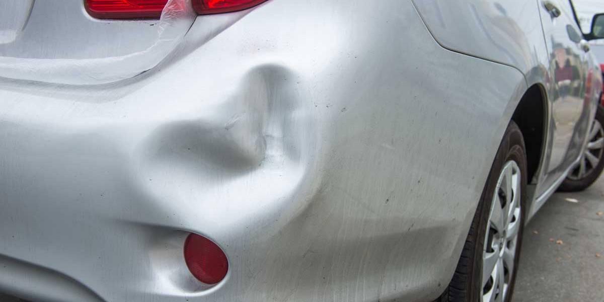 Trucos caseros para quitar las abolladuras del coche que podrían funcionar