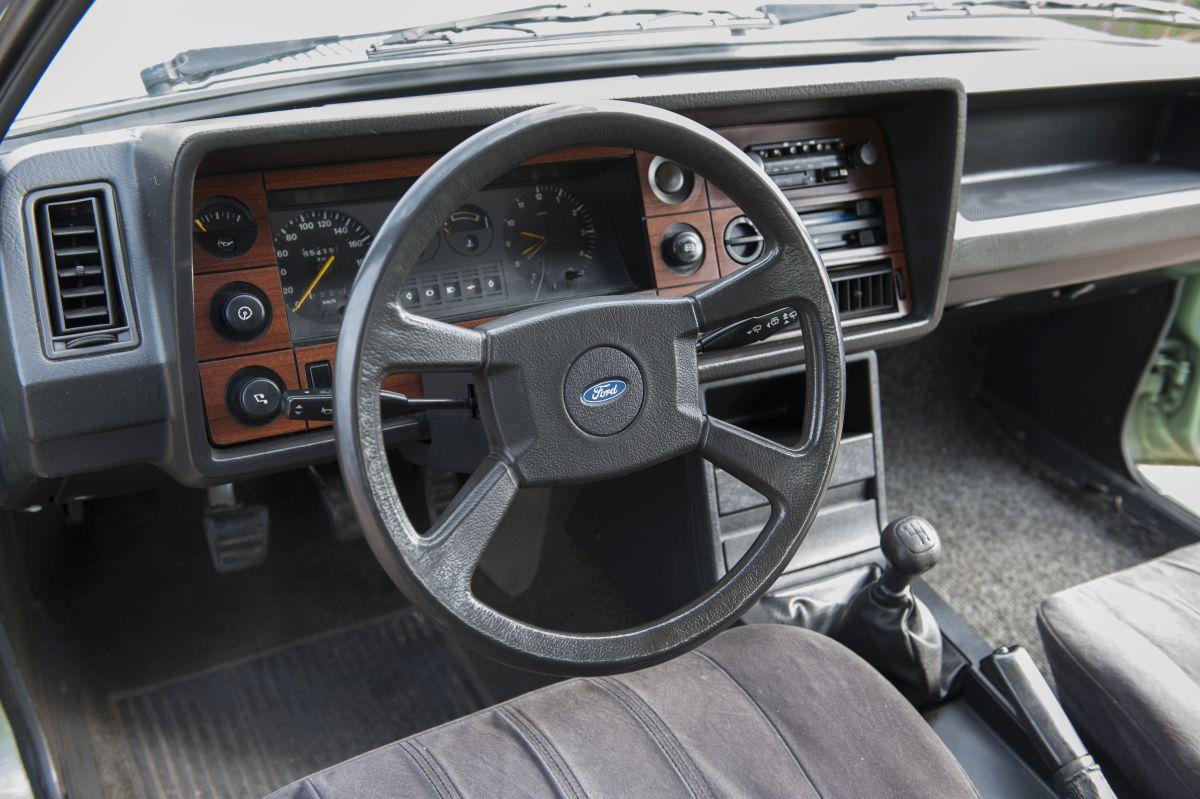 Ford Granada volante