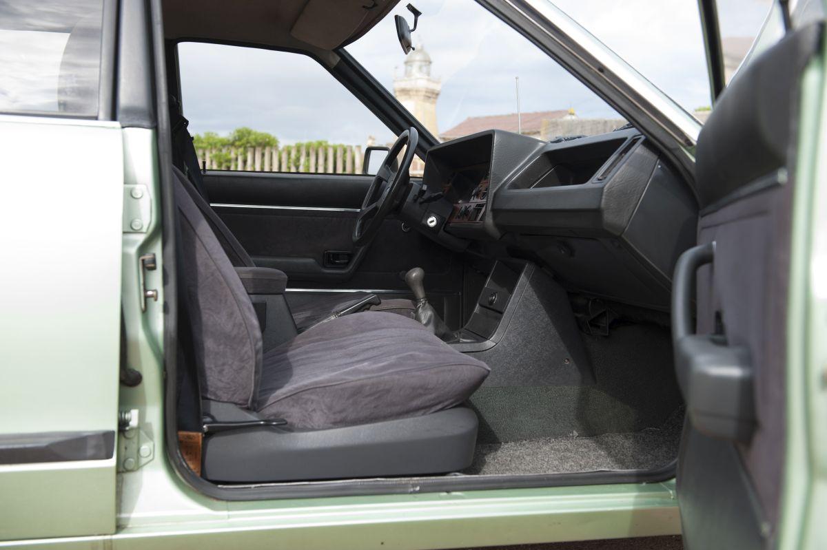 Ford Granada asientos delanteros