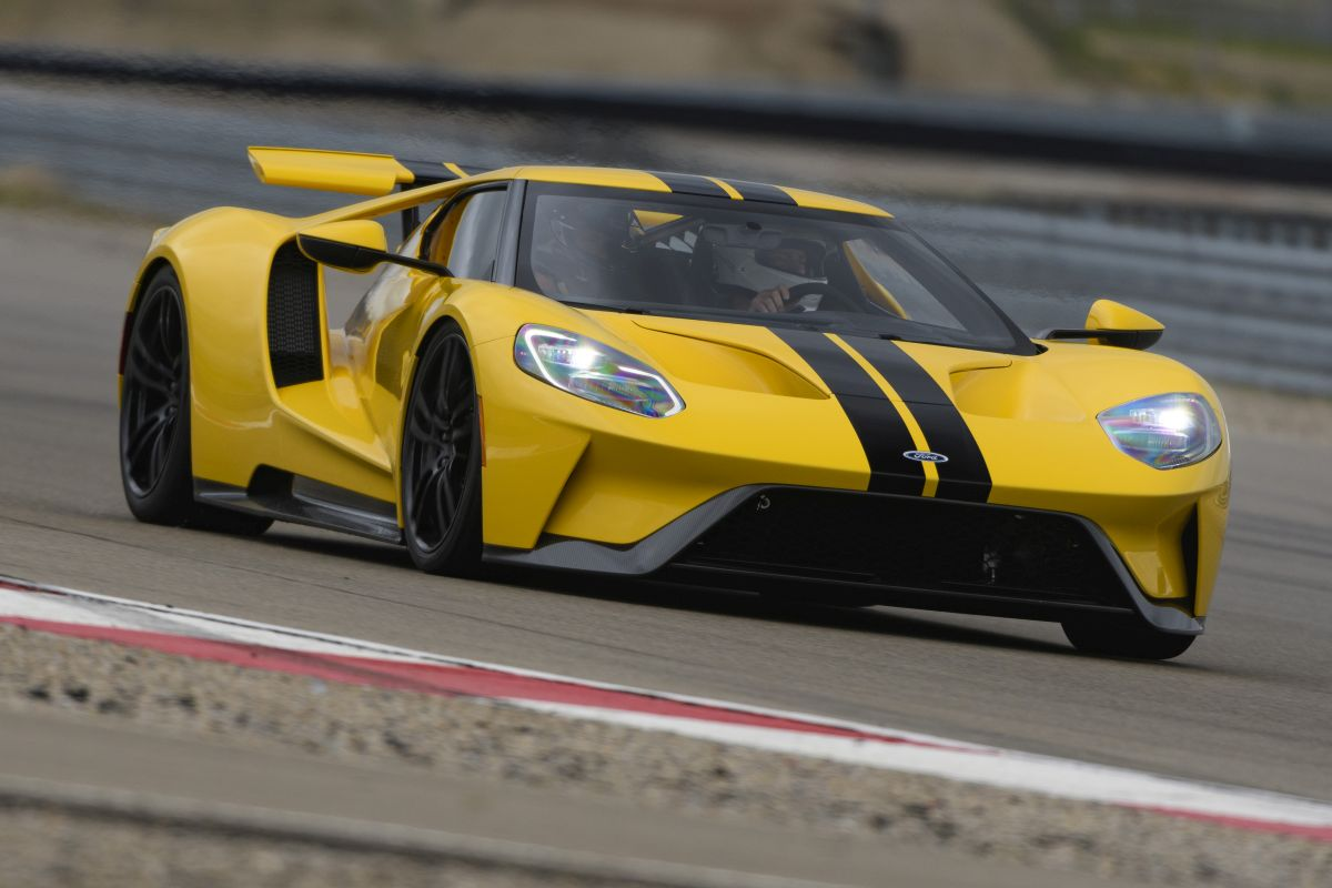 Ford GT 2017 amarillo