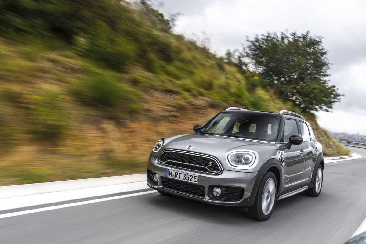 MINI Countryman Cooper S E ALL4 en carretera