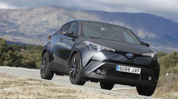 Toyota C-HR Hybrid apoyo en curva