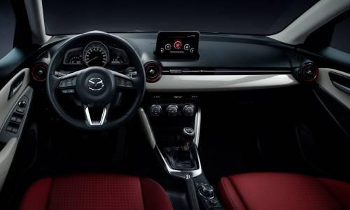 Mazda2 2017 Sport Red Edition, maquillaje deportivo