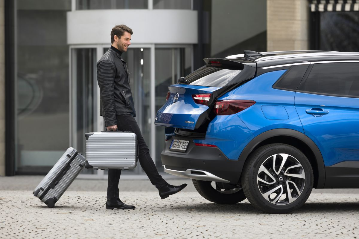 Opel Grandland X 2017 puerta maletero