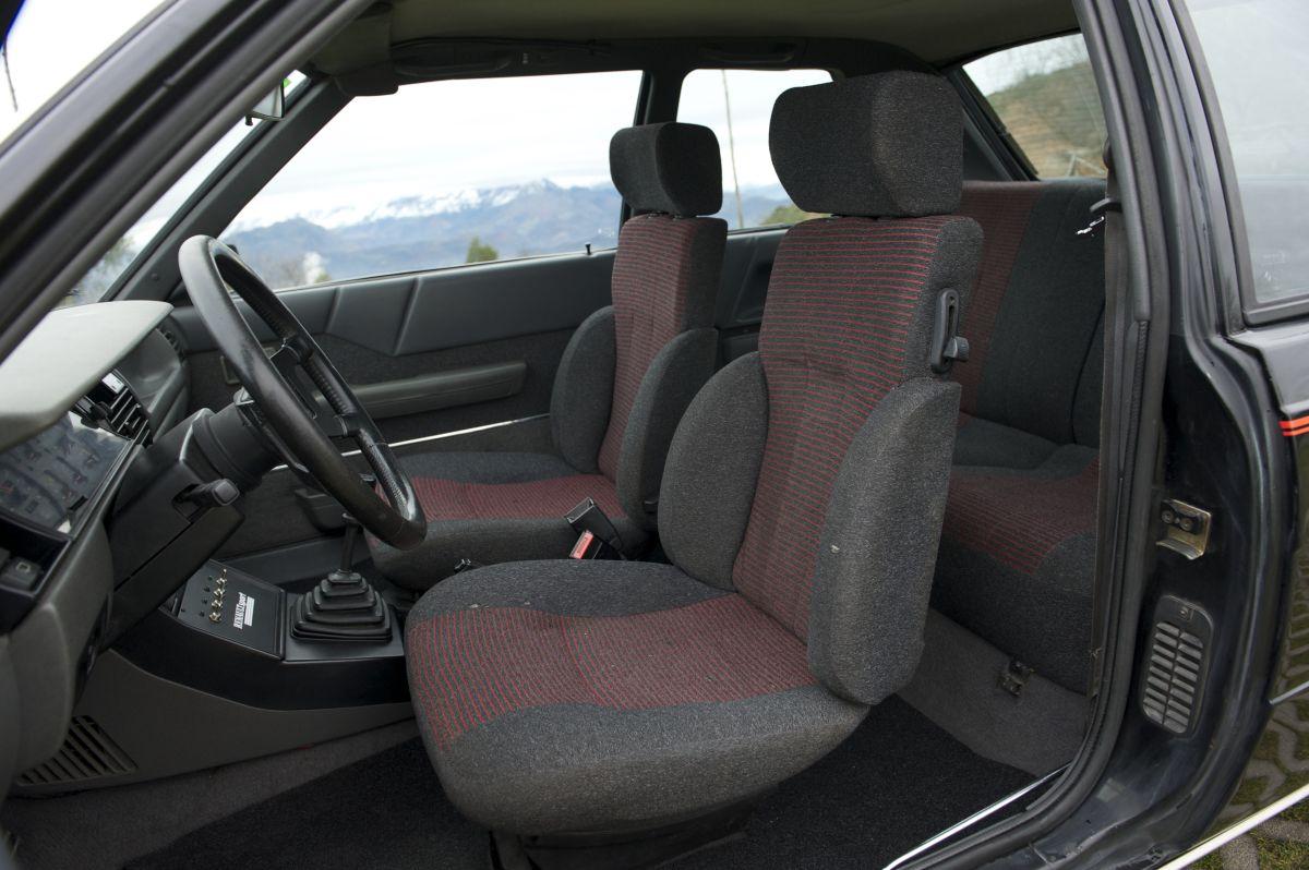 Renault 11 Turbo asientos delanteros