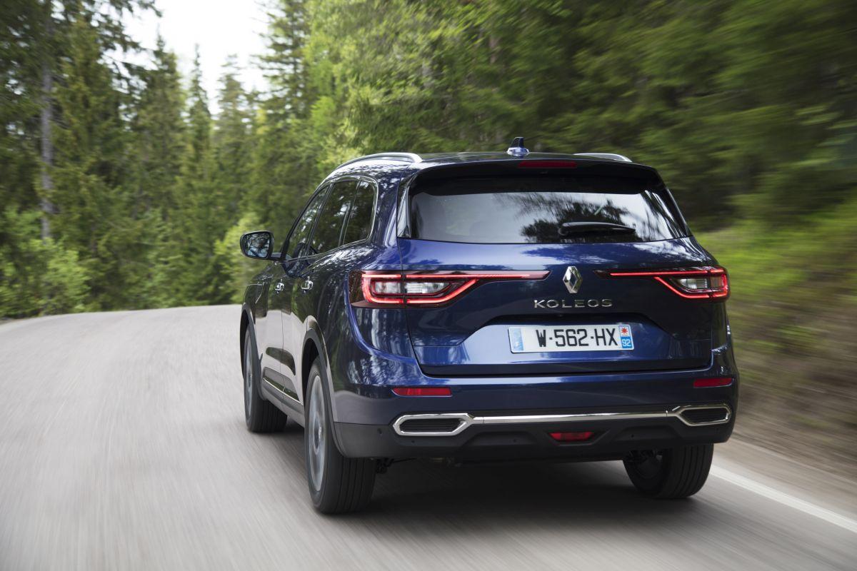 Renault Koleos 2017 trasera carretera
