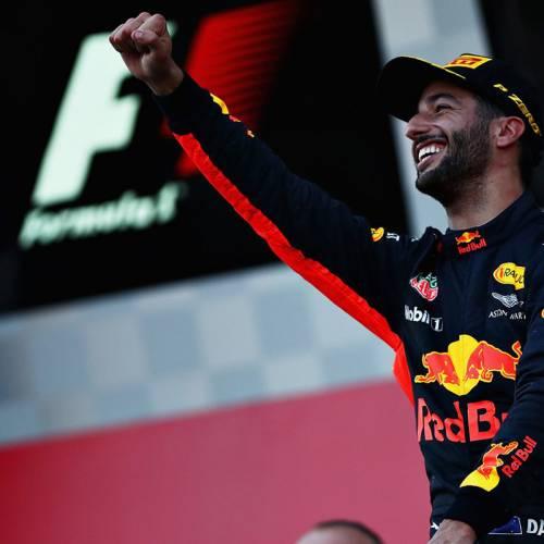 Victoria de Ricciardo en la carrera más movida de la temporada