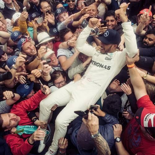 Hamilton, rey de Silverstone mientras Ferrari pincha con su estrategia