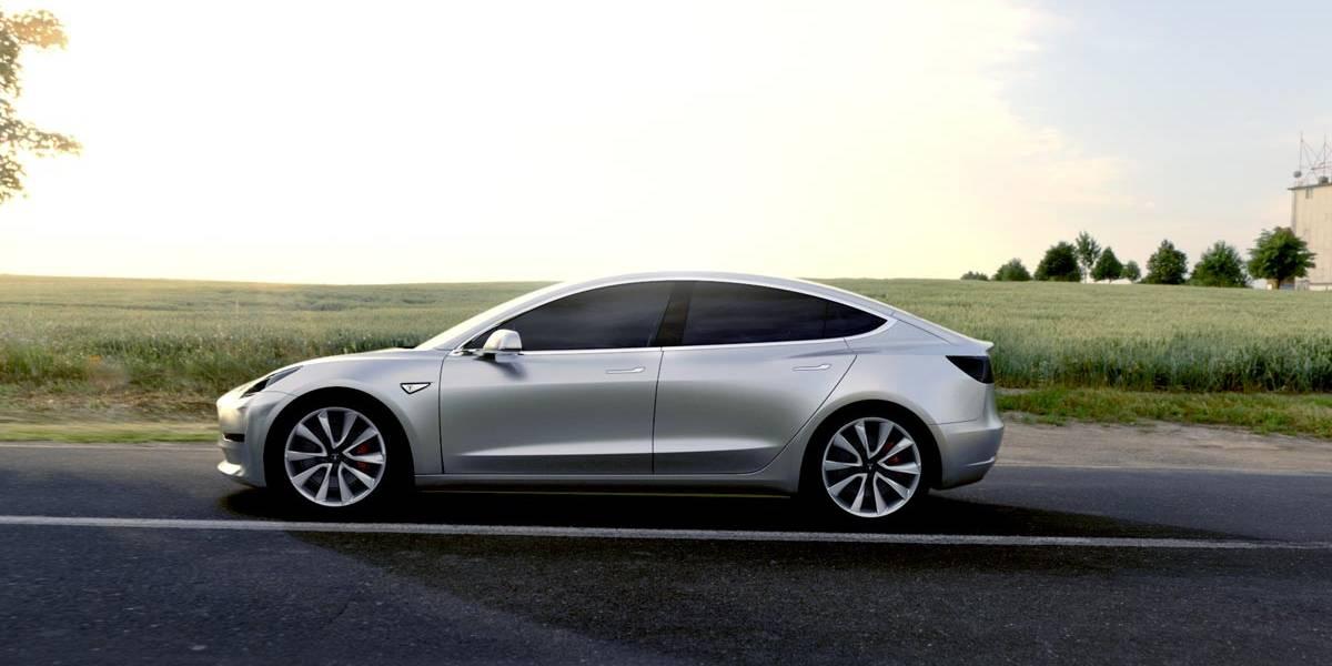 Elon Musk, estresado por los problemas de producción del Model 3