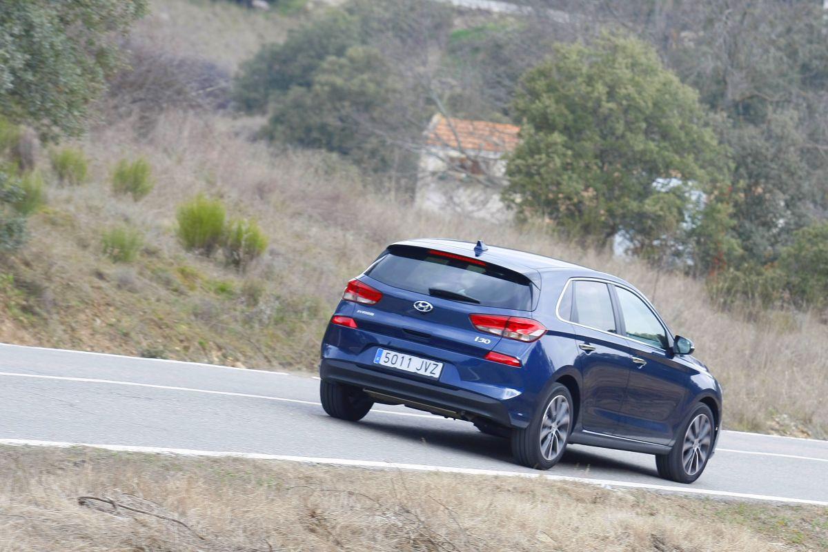 Hyundai i30 1.4 T-GDI 140 CV trasera