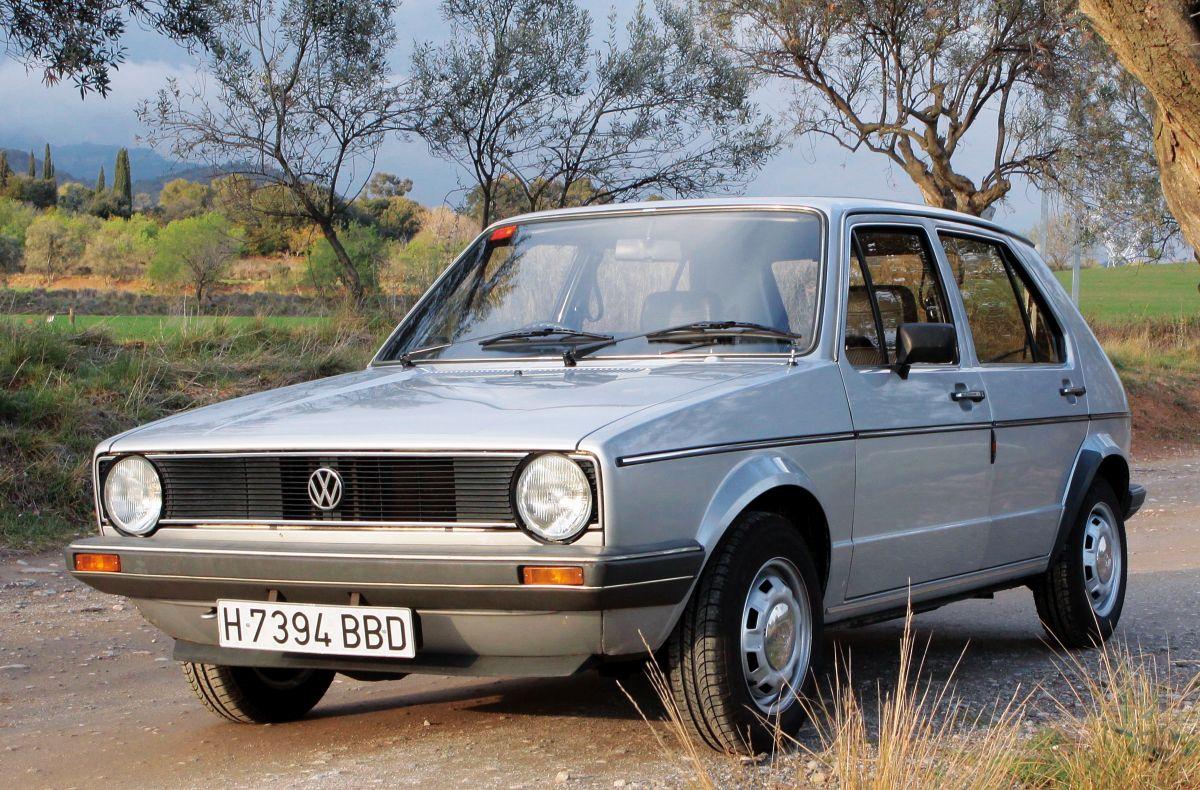 Volkswagen Golf MKI 1.5 GLS tres cuartos delantero