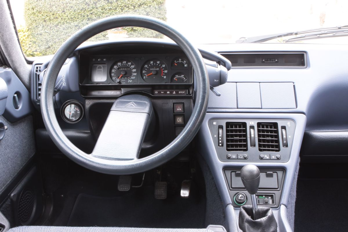 Citroën CX 22 TRS volante