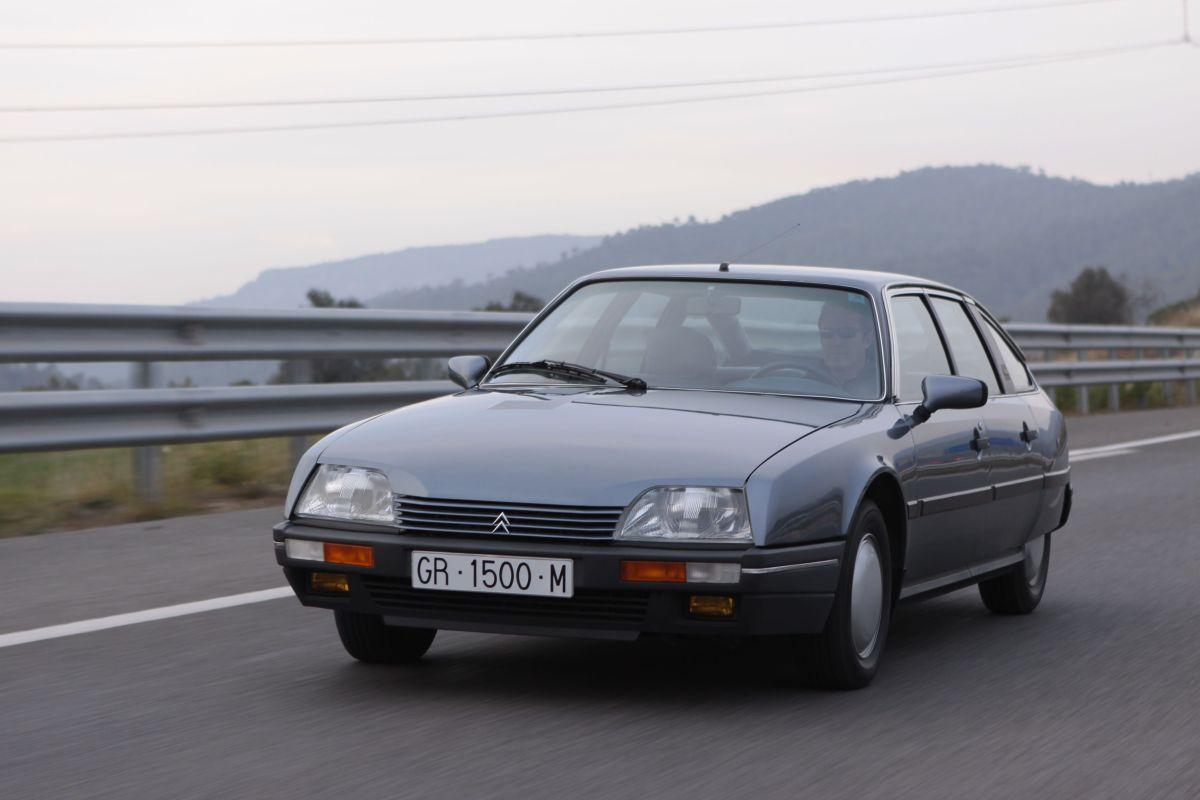 Citroën CX 22 TRS en movimiento