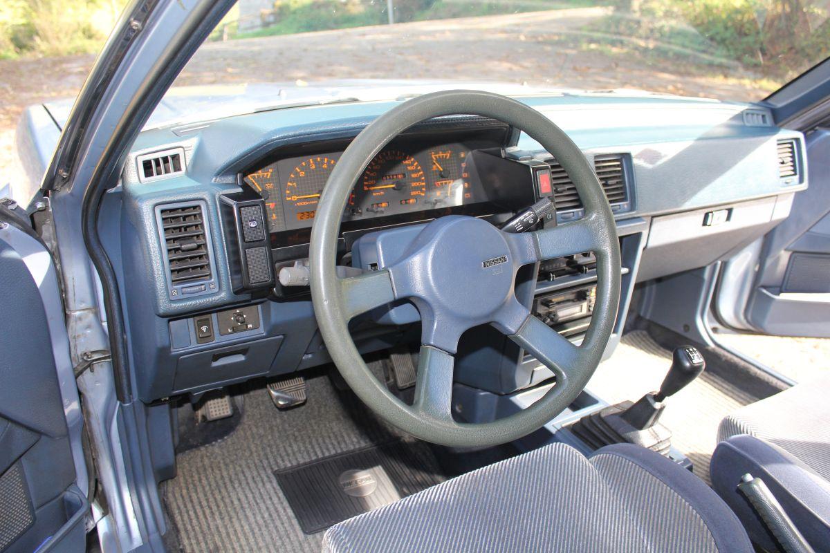 Nissan Bluebird Turbo SGX salpicadero