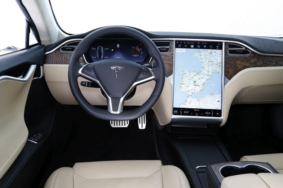 Tesla Model S P100D salpicadero