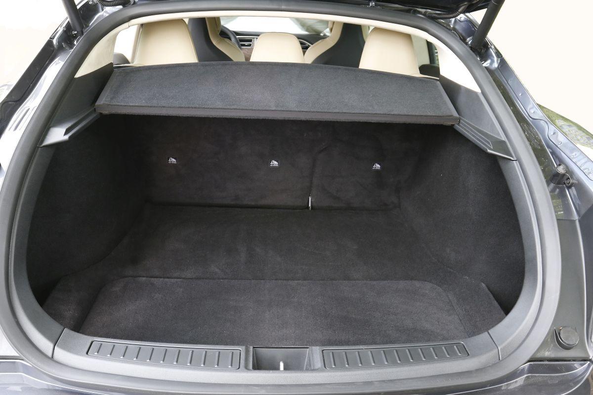 Tesla Model S P100D maletero trasero