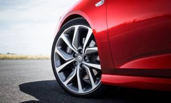 Solo un 8 % de los conductores españoles sabe qué es la Etiqueta Europea del Neumático