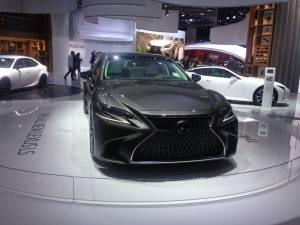 Salón de Fráncfort 2017 - Lexus NX