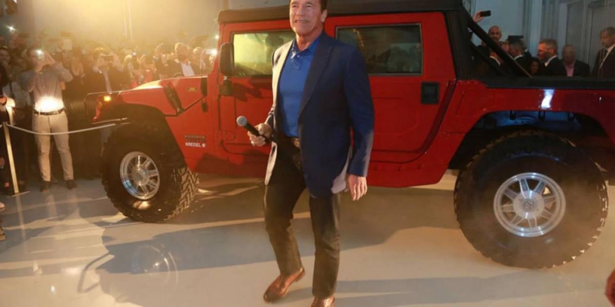 Schwarzenegger cumple su sueño: un Hummer eléctrico