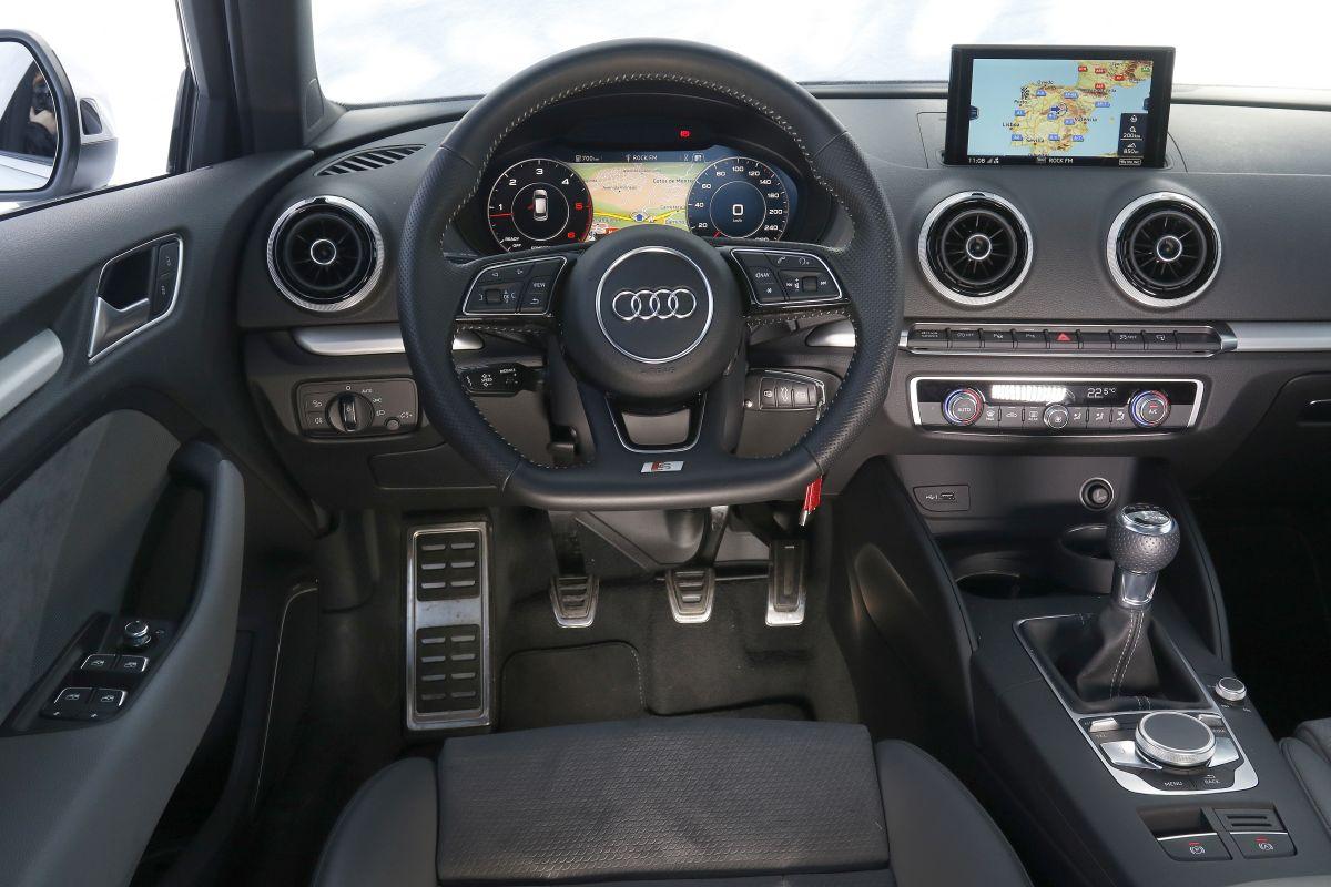 Audi A3 Sportback 2.0 TDI 150 CV salpicadero