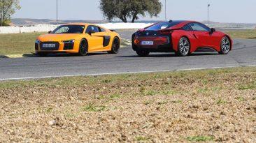 Audi R8 V10 Plus o BMW i8: los dos de frente y trasera