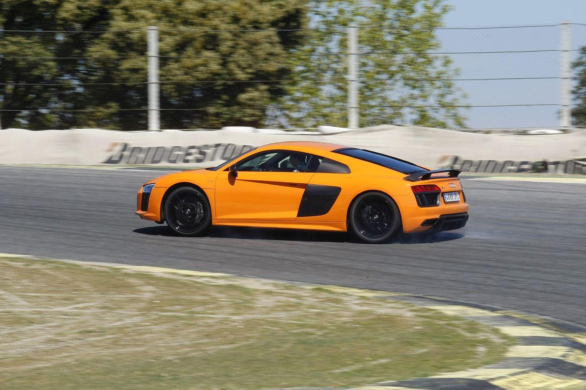 Audi R8 V10 Plus o BMW i8: barrido R8