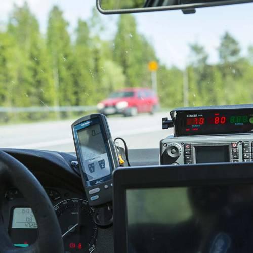 Los coches camuflados con radar privados, una realidad