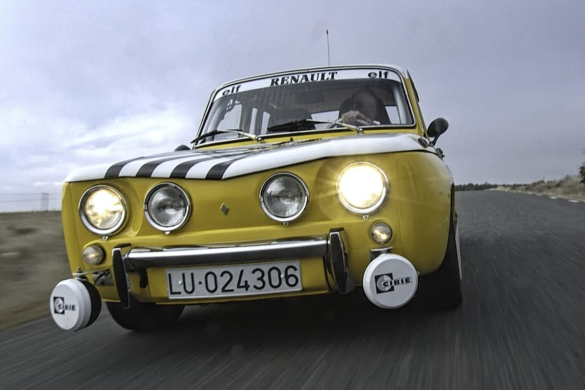 Renault 8 TS contra Audi R8: renault 8 frontal