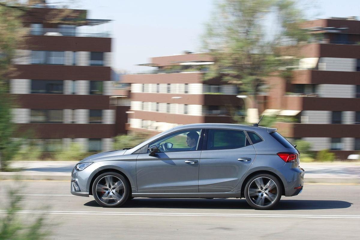 SEAT Ibiza 1.0 TSI 115 CV DSG 7 barrido hacia la izquierda