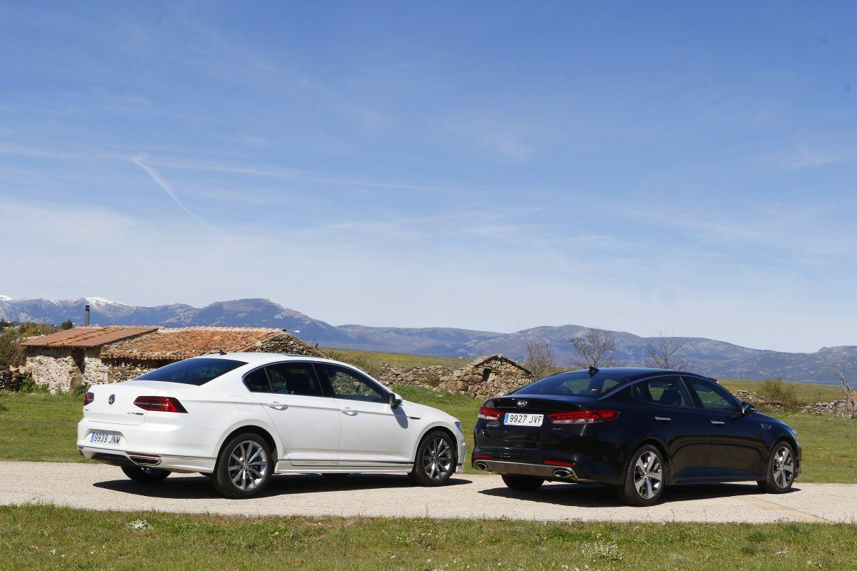 Volkswagen Passat Sport 2.0 TSI 280 CV o Kia Optima GT 2.0 T-GDI 245 CV trasera