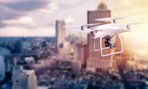 Un dron, solución a los problemas de autonomía de los eléctricos
