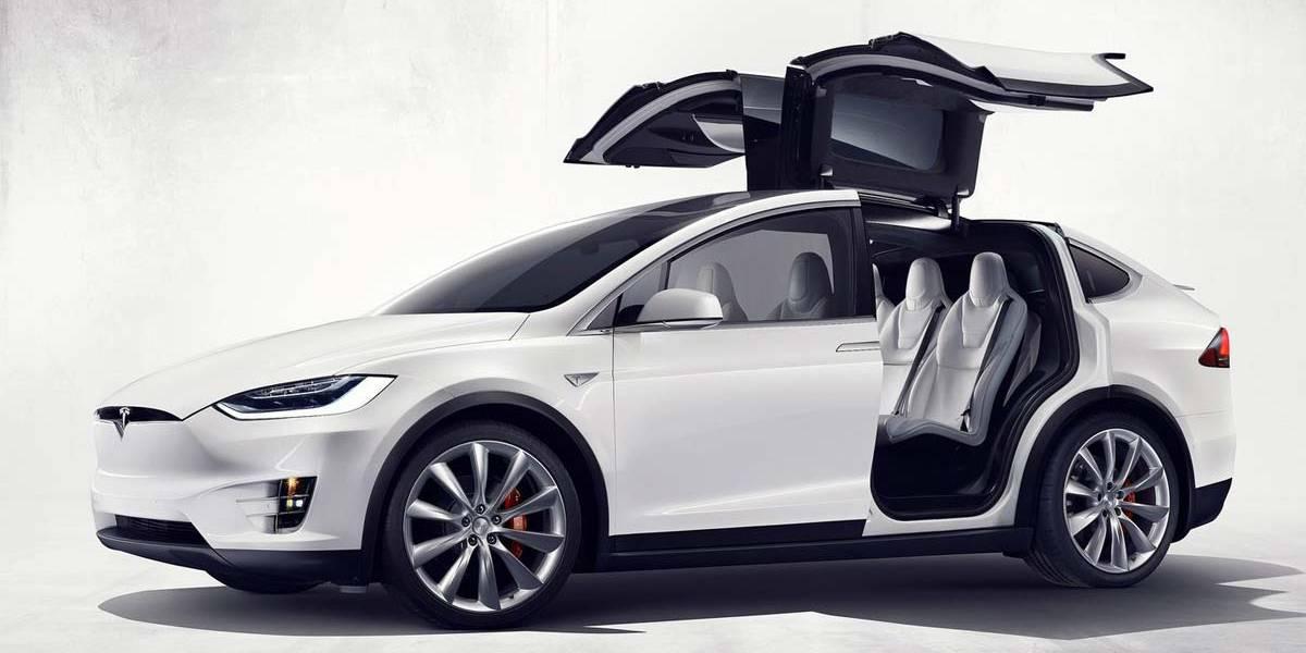 Mercedes-Benz causa daños en un Tesla Model X por valor de 15.000 euros