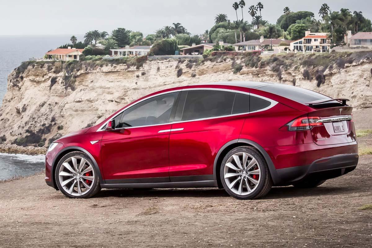 Los 10 coches en los que no puedes confiar. Tesla Model X