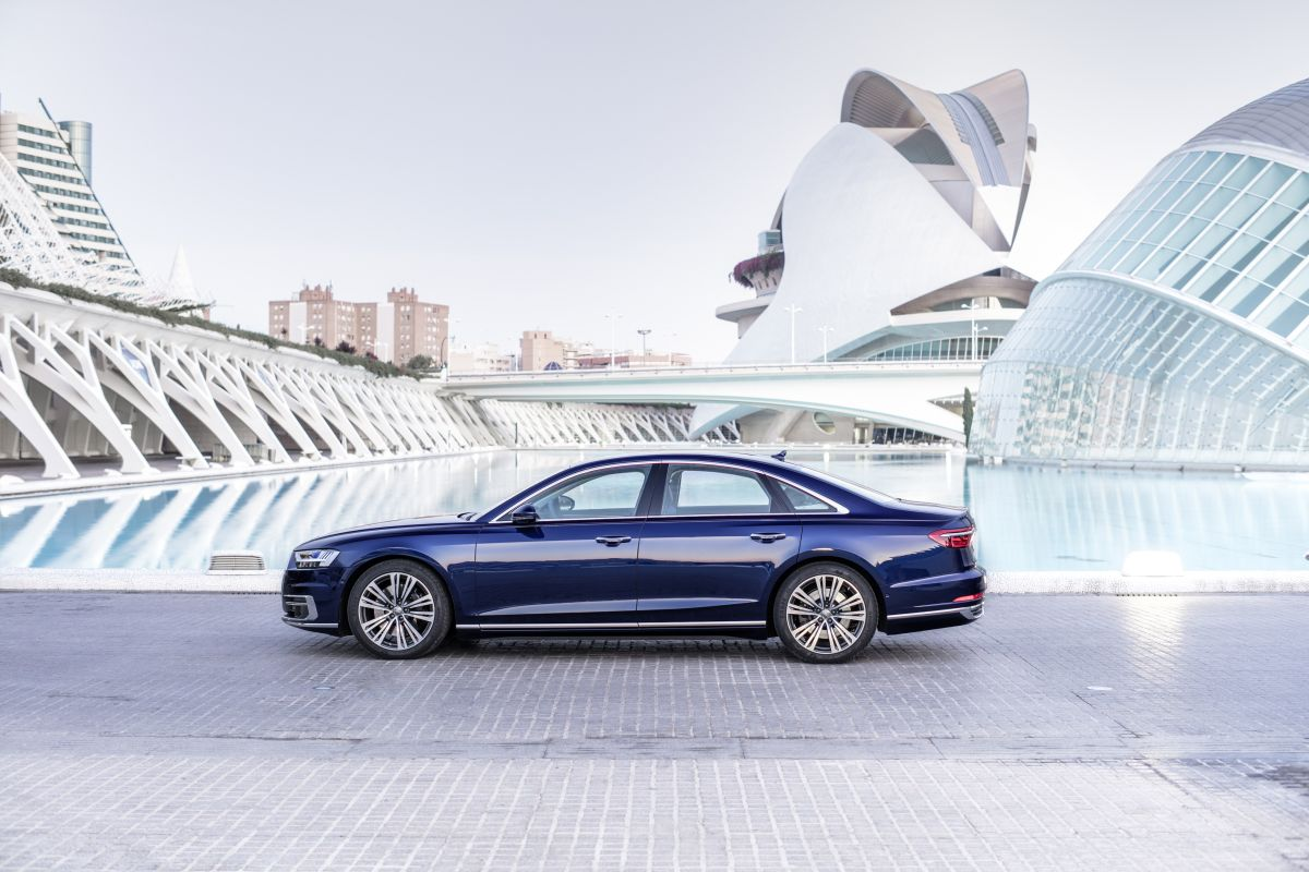 Audi A8 2018 lateral