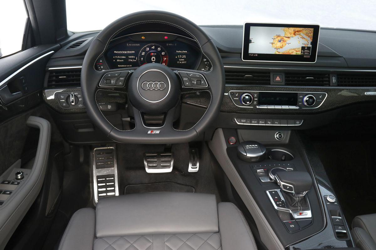 Audi S5 Cabrio 3.0 TFSI. Salpicadero