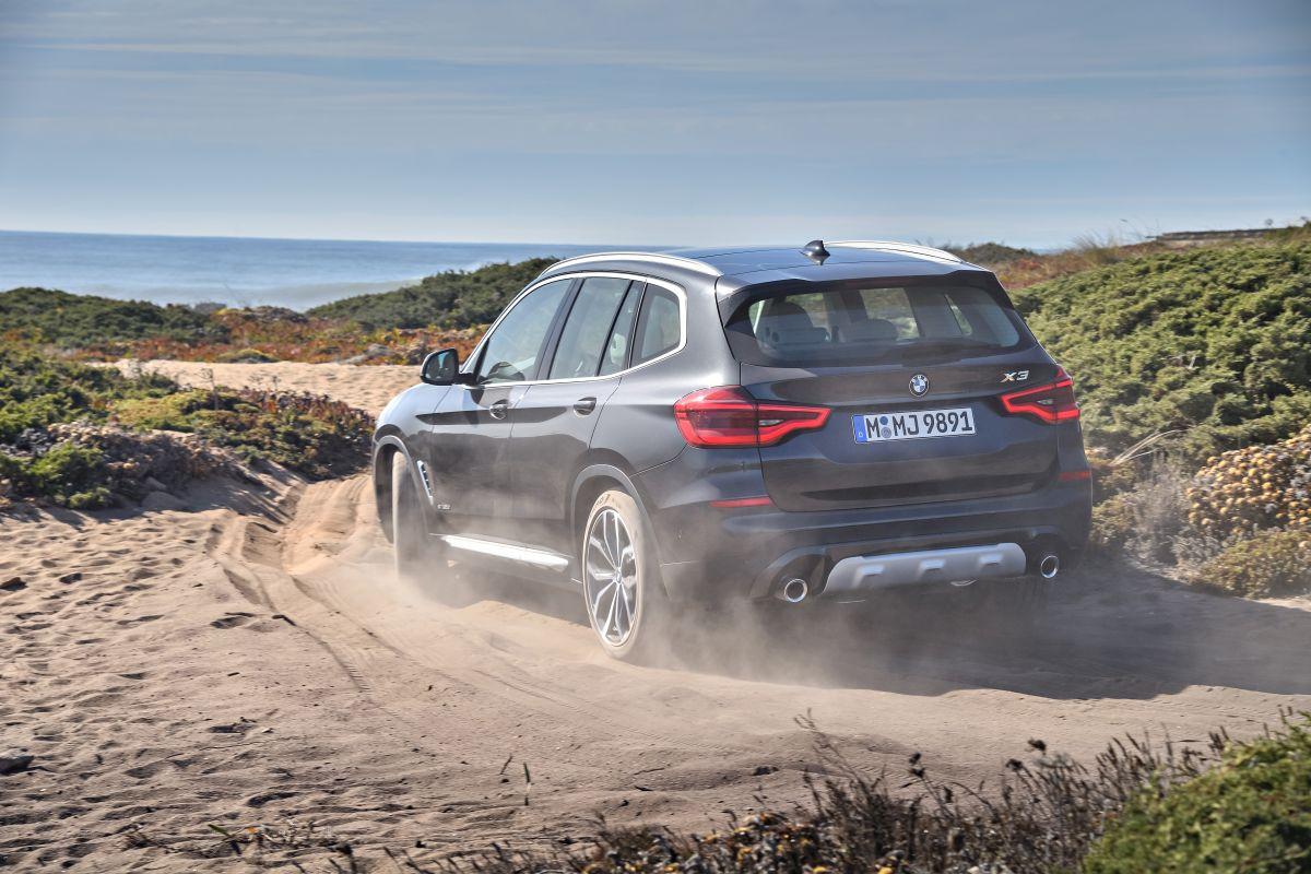 BMW X3 2018: trasera campo
