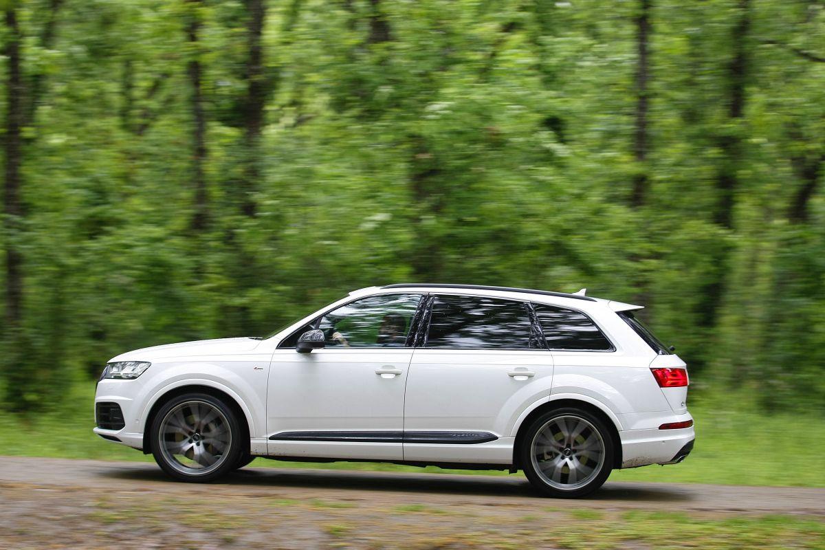Audi Q7 3.0 TDI 272 CV. Barrido a izquierda