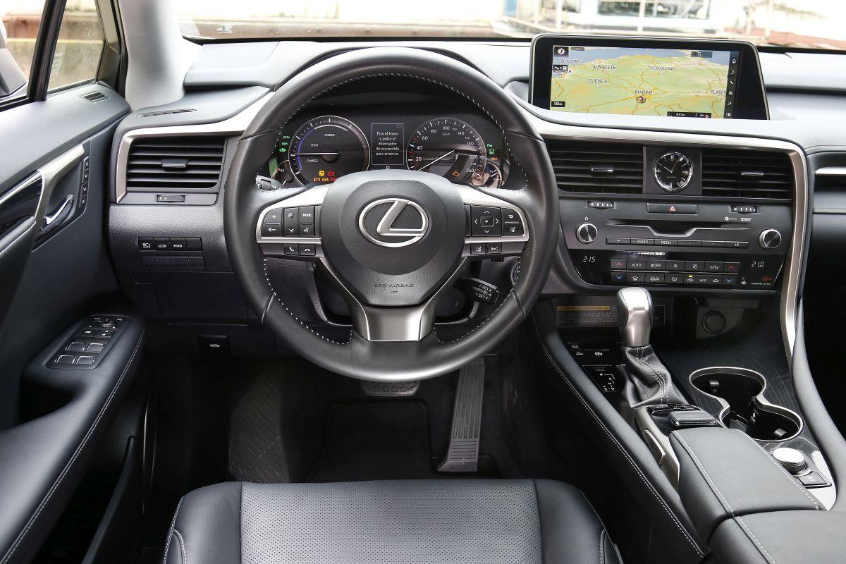 Lexus RX 450h. Salpicadero