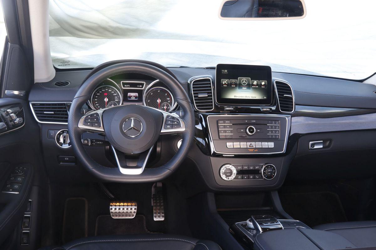 Mercedes-Benz GLS 350d 4Matic salpicadero