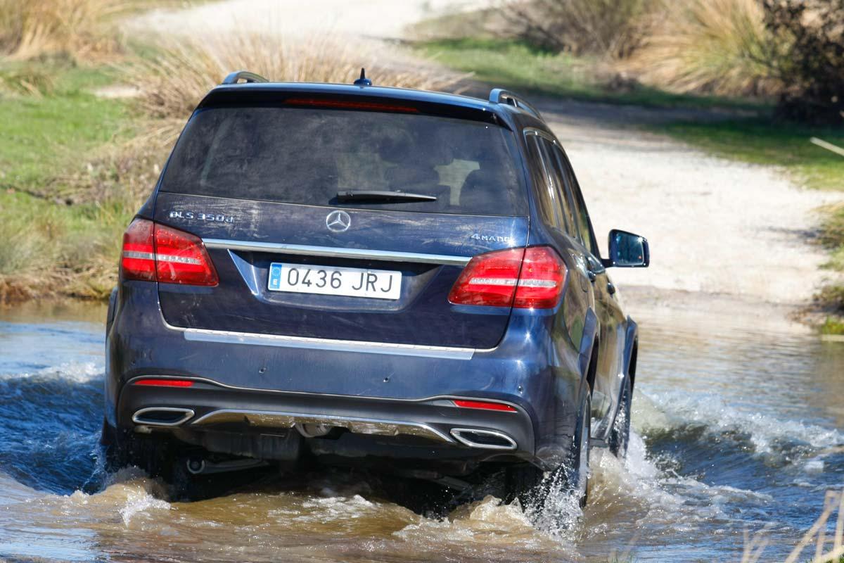 Mercedes-Benz GLS 350d 4Matic trasera movimiento