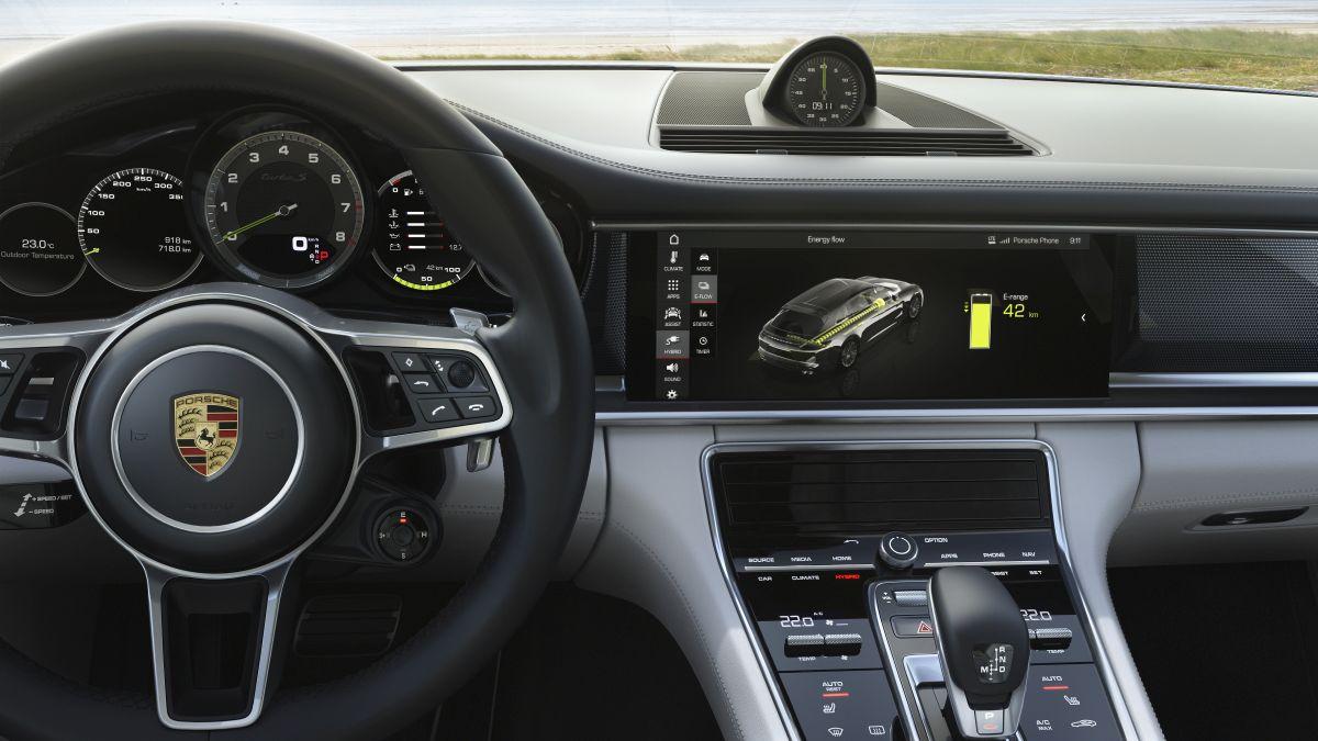 Porsche Panamera Turbo S E-Hybrid Sport Turismo. Navegador