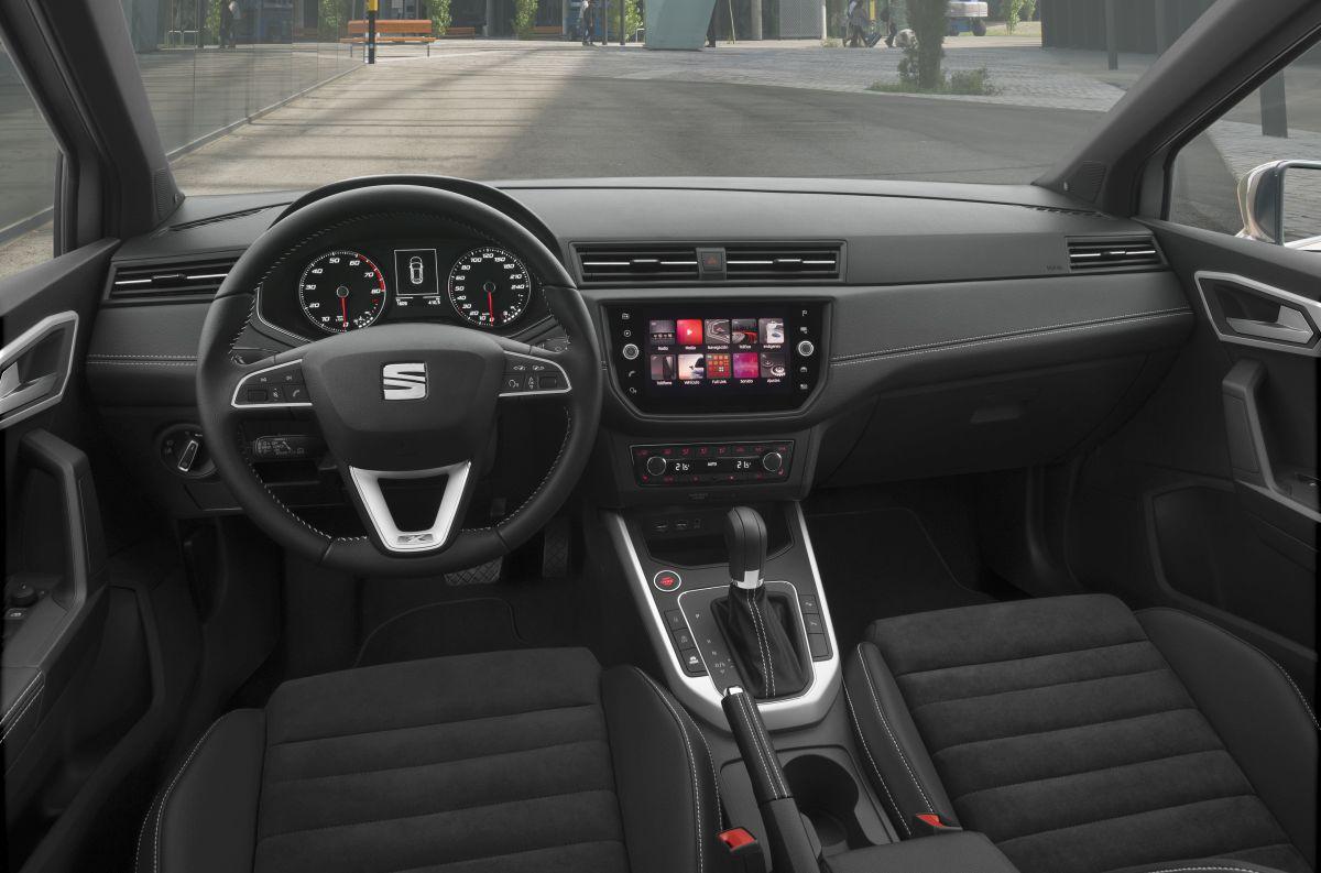 Seat arona primera prueba del suv peque o de seat cosas for Interior seat arona