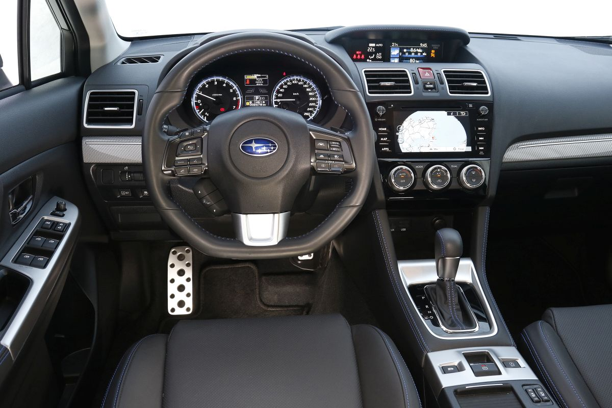 Subaru Levorg 1.6 GT. Salpicadero
